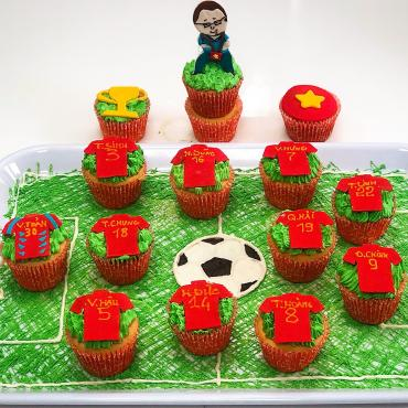 Clip hướng dẫn làm bánh Cupcake mô phỏng đội bóng Việt Nam